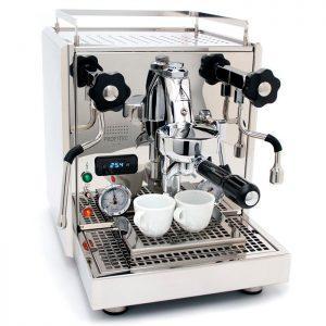 Правила обслуживания кофемашин. Фото: coffeemachinespecialist.com.au